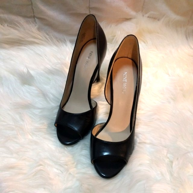 NINEWEST Black Leather Peeptoe Heels - Size 7