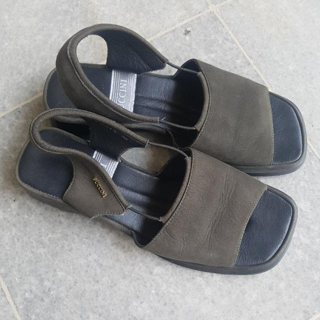 Puccini dark green suede sandal