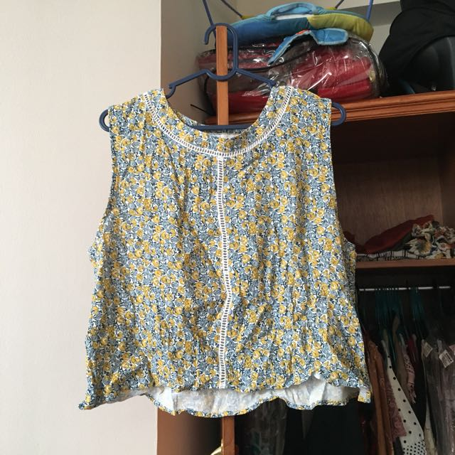 Quirky Circus Floral Top size AUS14