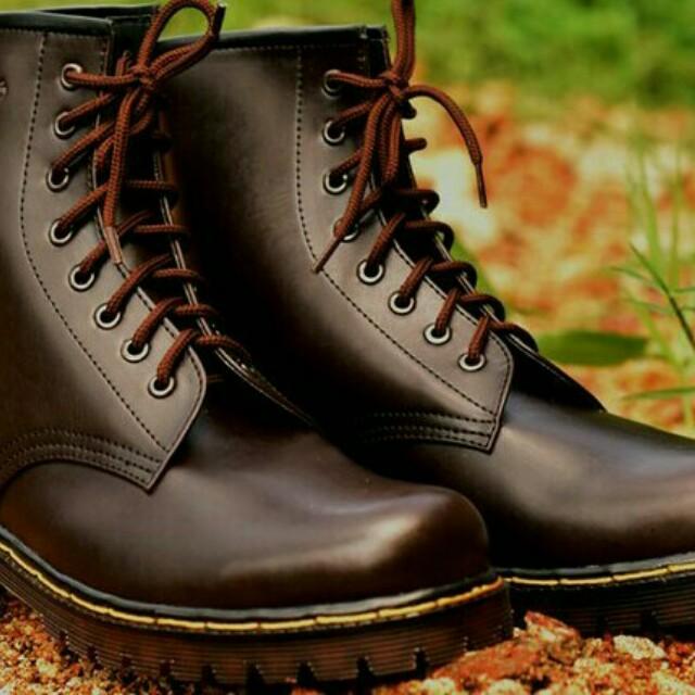 *Sepatu Boots Docmart Dr Martens pria wanita 8 lubang / hole KULIT