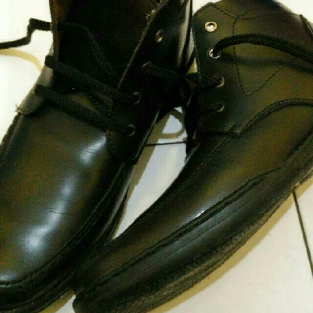 sepatu bots yongki komaladi