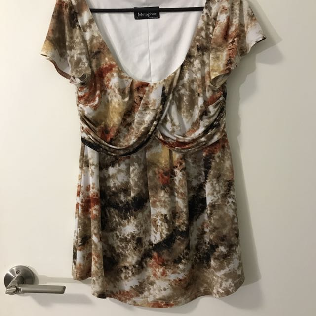 Size 10 patterned top