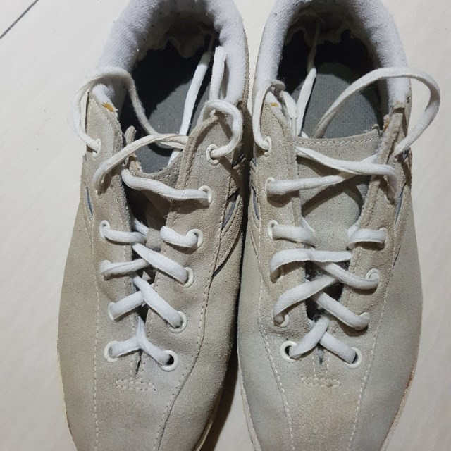 Size 9.5 Tretorn old school rubber shoes