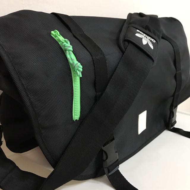 Sling Bag (adidas Originals)