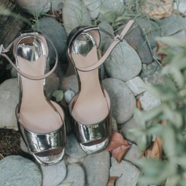 Stradivarius Gold High heels free sf for mm