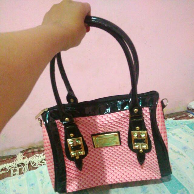Tas pink hitam