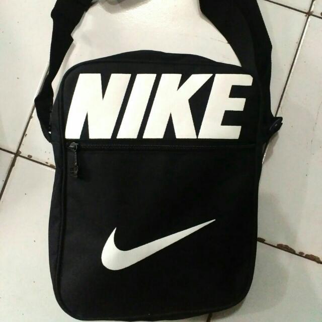 Tas Selendang Nike