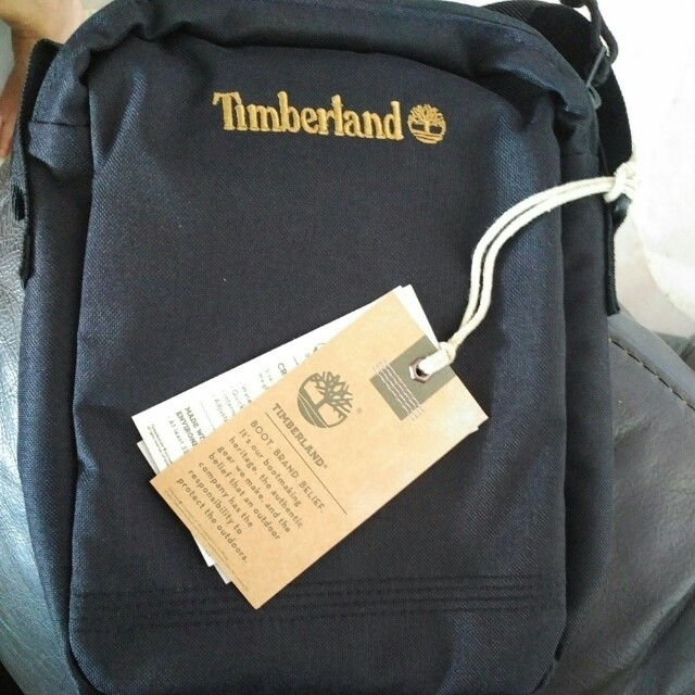 f7555d5c011 Timberland Crofton Small Items Bag, Men's Fashion, Bags & Wallets on  Carousell