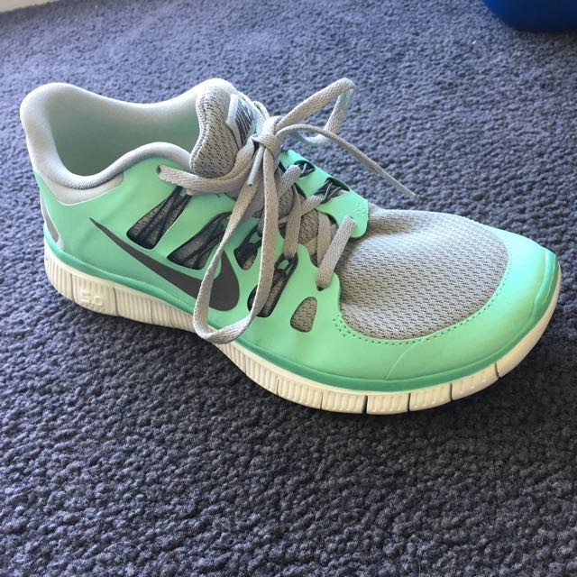 outlet store c4f3e 42e10 Women s Nike free 5.0 runners. Size 7.5. Colour mint green grey ...