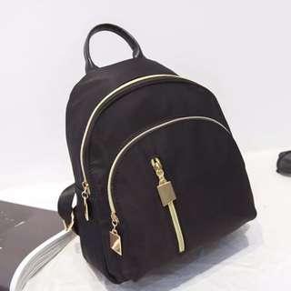 尼龍防潑水後背小包 後背包