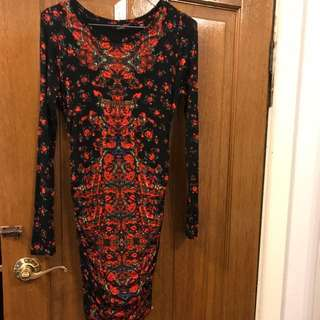 Guess dress Size small