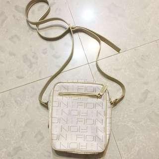 FION 斜孭袋
