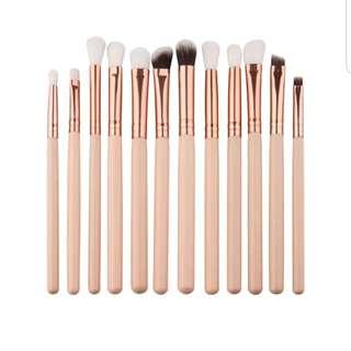 PREORDER 12 pcs makeup brushes detail brush
