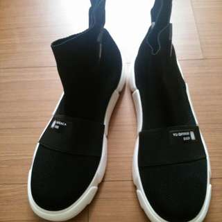 百搭黑色休閒鞋39號