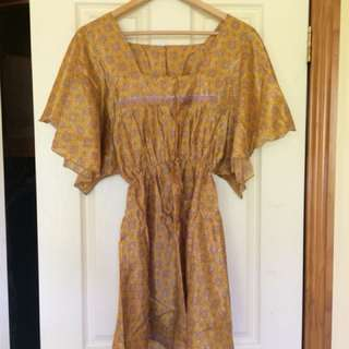 Floaty yellow hippy dress, satin. Would fit S-M