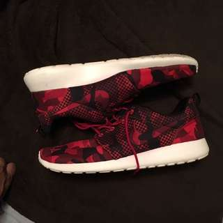 Nike roshe Red Camo Size 14