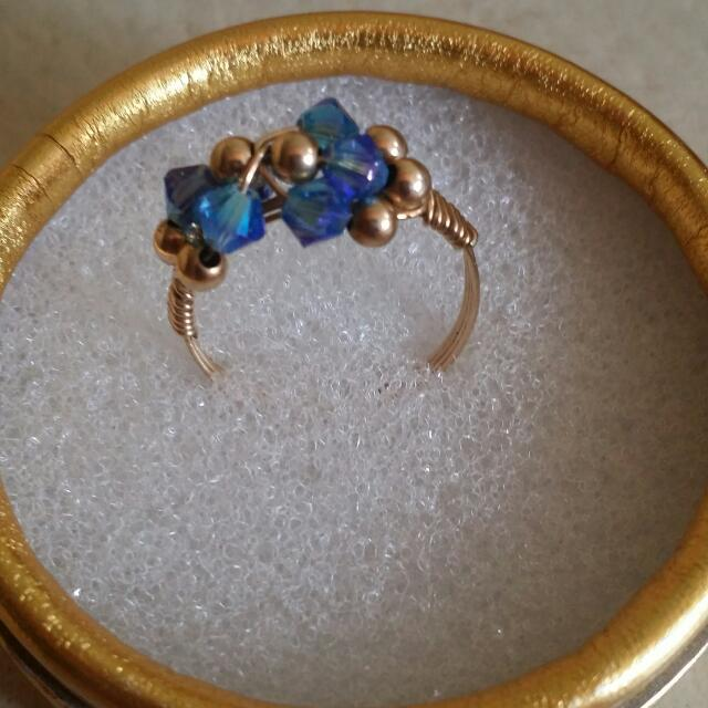 10k gold wire with Orig swarovski stone Ring