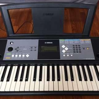 61 Key Yamaha Keyboard PSR-E233