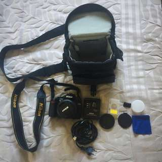 Nikon DSLR D3000; 18-55mm & bag Bundle