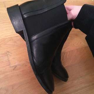 TOPSHOP Black ankle boots