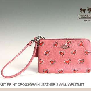 NEW COACH HEART LEATHER PRINT WRISTLET