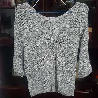 Preloved UNIQLO knitted top