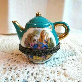戀侶骨瓷茶壺造型小珠寶盒