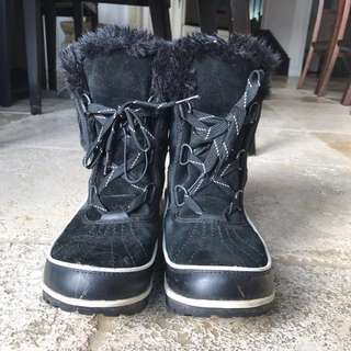 Short Black 'Sorrell' winter boots