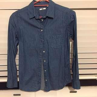 Uniqlo chambray denim shirt