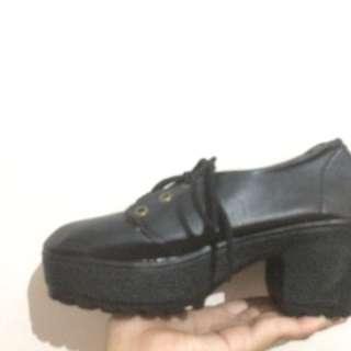 🔥NEW🔥 bigheels black