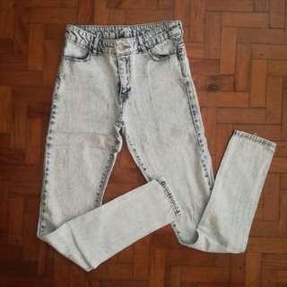 🌻H&M Acid Washed Skinny Jeans