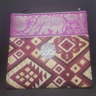 🚚 泰國製 泰國象小繡包