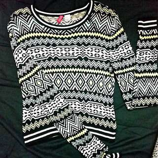 [FREE POS SM] H&M DIVIDED CROP TRIBAL SWEATER
