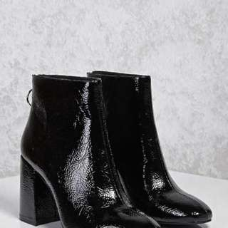 F21 Black boots size 8