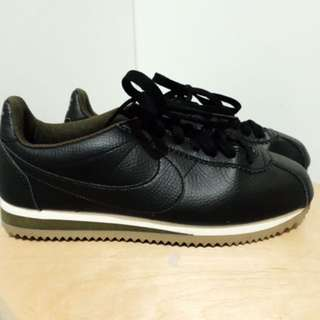 LIMITED EDITION NIKE CORTEZ GUM SOLE