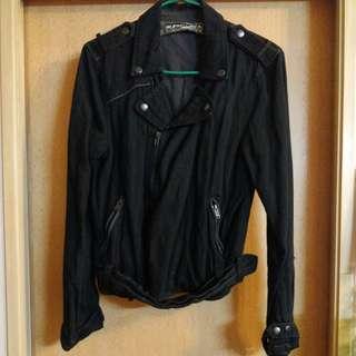 黑色中碼外套