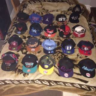 Never worn New Era snapbacks 20hats