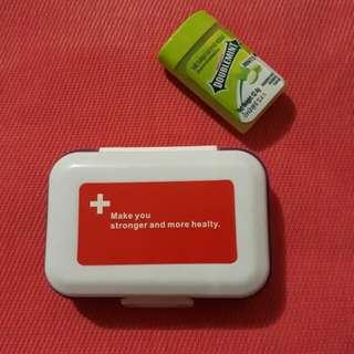 Pill box / Medicine Organizer