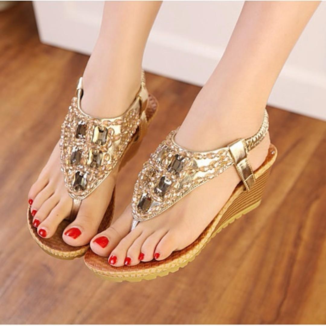 韓版波西米亞鑲嵌串珠水鑽夾腳低跟涼鞋