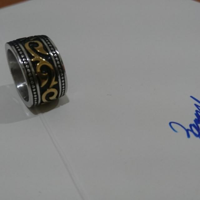 粗曠金紋戒指