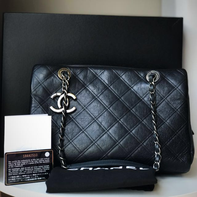 79a7bda897c 💯 Authentic RARE Chanel Grand Shop Zip Bag, Luxury, Bags & Wallets ...