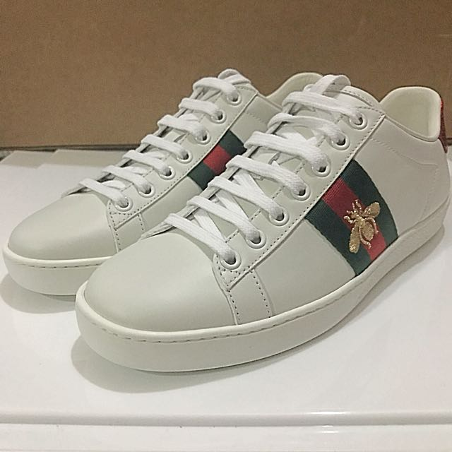 Gucci Bee sneakers Ace Embroidered Bee Sneaker GUCCI, Women's Fashion, Shoes on Carousell