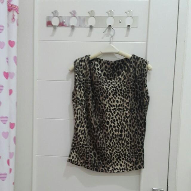 Atasan leopard print