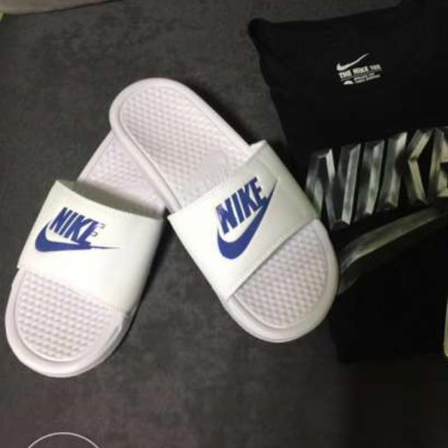 Autuentic Nike Slide