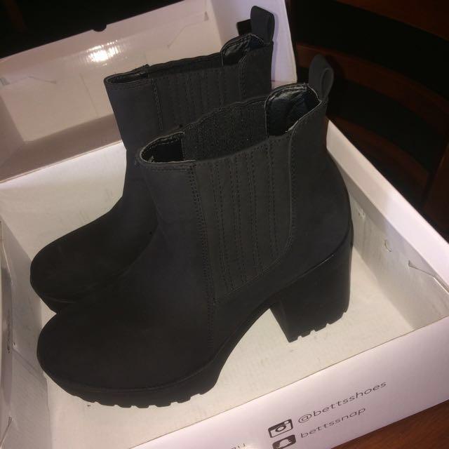 Betts Conrad Boots
