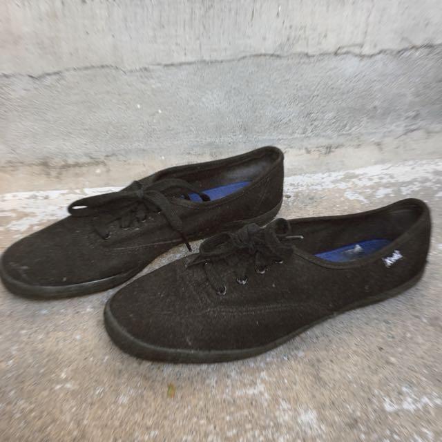 Black canvas shoes | KEDS