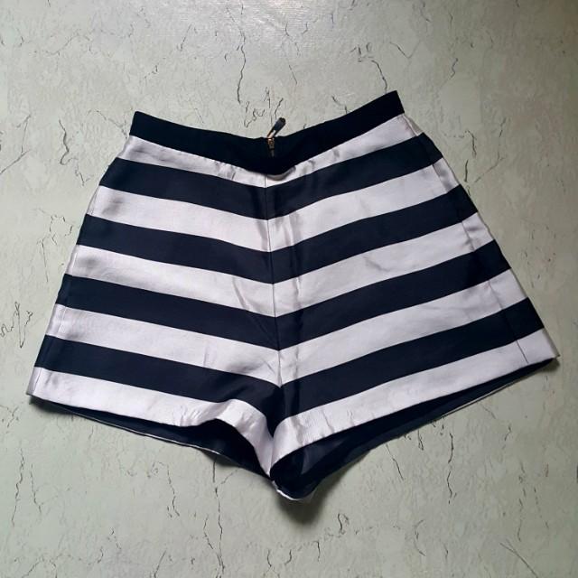 Black&White Highwaist Shorts