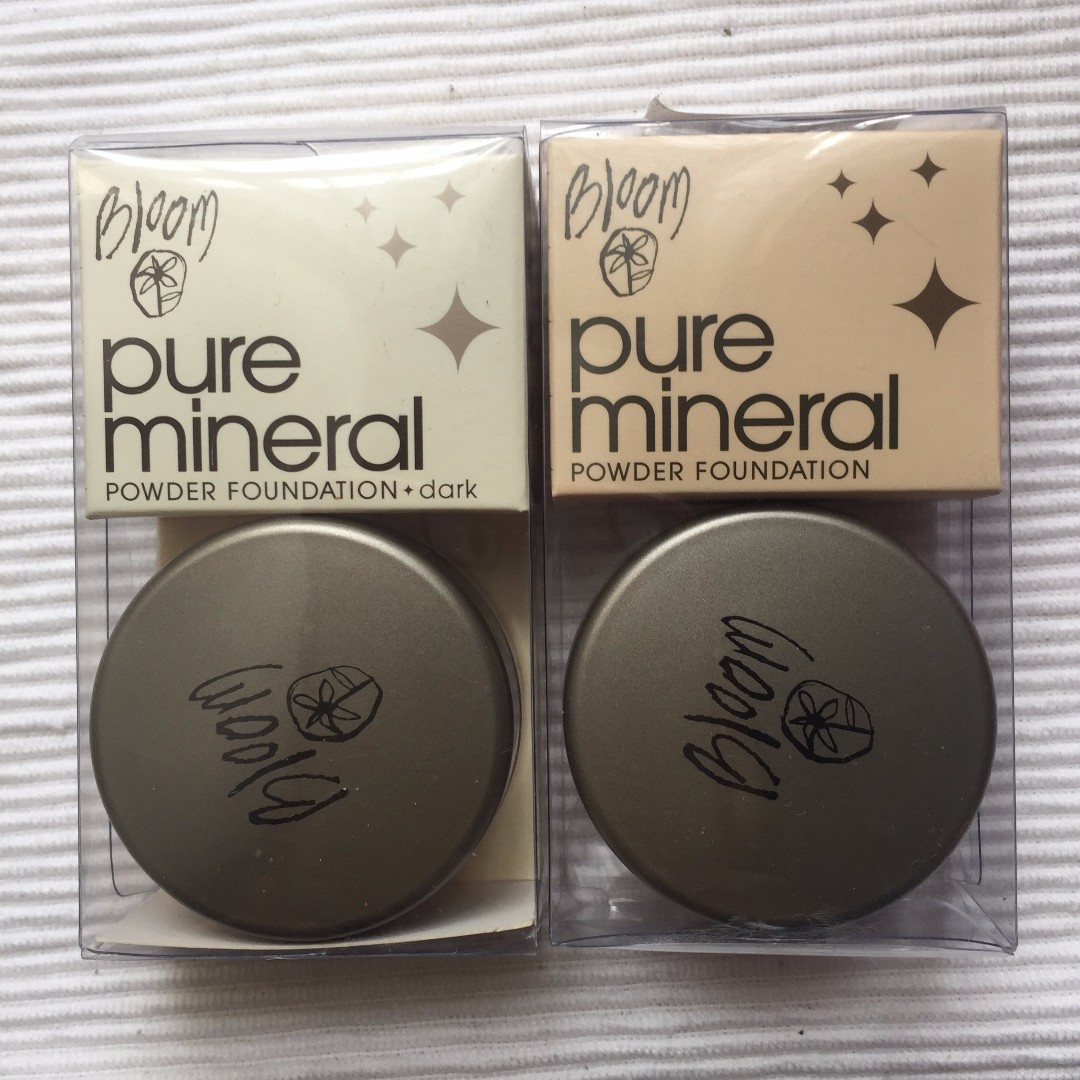 Bloom Pure mineral powder foundation in light and dark