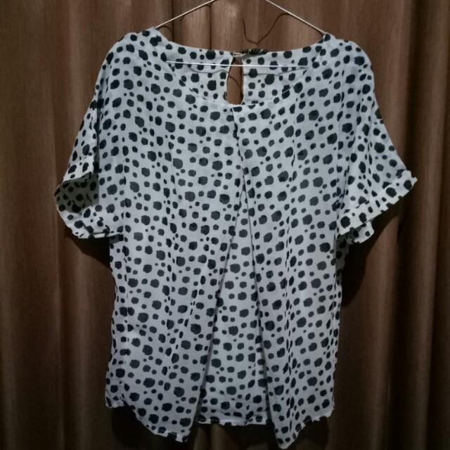 Bluouse black white
