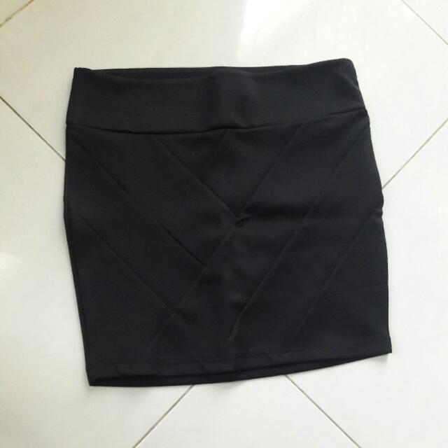 Body Con Stradivarius Mini Skirt